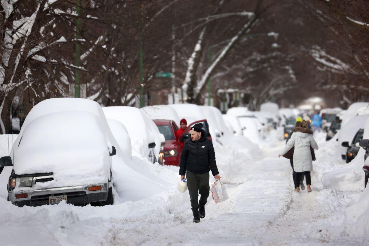 Cómo protegerse durante una tormenta helada de nieve