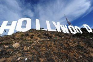 Seis personas vandalizaron el letrero de Hollywood y la Policía de Los Ángeles los arrestó