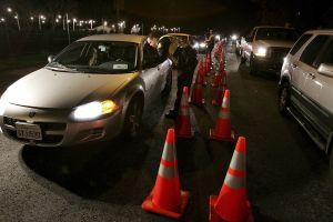 Un punto de control de la Policía en Pomona dejó a 35 conductores arrestado en seis horas