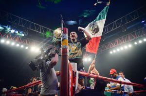 Miguel Berchelt y Óscar Valdez superan la báscula y dejan toda listo para la guerra entre mexicanos