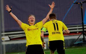 Ayer fue Mbappé, hoy brilla Haaland: Con doblete del noruego el Dortmund se impone al Sevilla