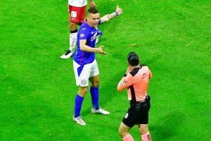 """Ya se sabe qué le dijo: Filtran reclamo del """"Cabecita"""" Rodríguez al árbitro que bloqueó su disparo a gol"""