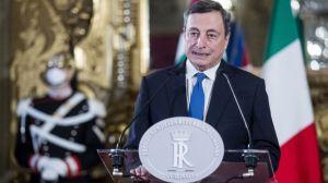 Quién es Mario Draghi, el nuevo primer ministro italiano que debe sacar a su país de la crisis más grave en décadas