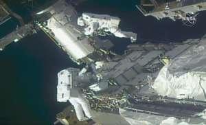 Astronautas realizan con éxito caminata espacial para modernizar sistema de energía solar en la EEI