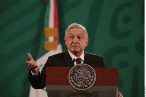 AMLO anuncia llegada de vacunas de AstraZeneca contra COVID-19 a México