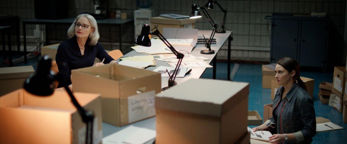Shailene Woodley interpreta a Teri Duncan, la ayudante de Nancy Hollander en el caso.
