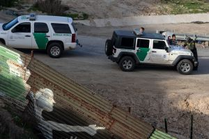 Camioneta con inmigrantes se estrella en San Diego mientras huía de la Patrulla Fronteriza