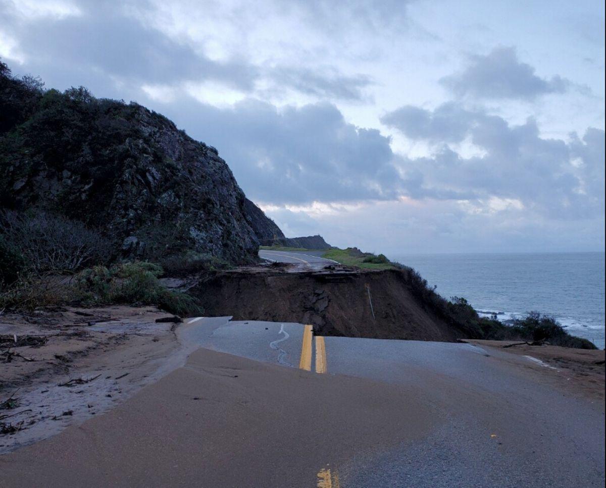 Se derrumbó un tramo de la famosa autopista de la costa del Pacífico de California