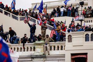 Cámara de Representantes acuerda crear una comisión bipartidista independiente para investigar el ataque al Capitolio