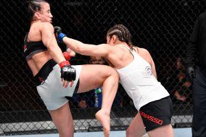 La mexicana Alexa Grasso da buena exhibición y gana por decisión unánime en UFC 258
