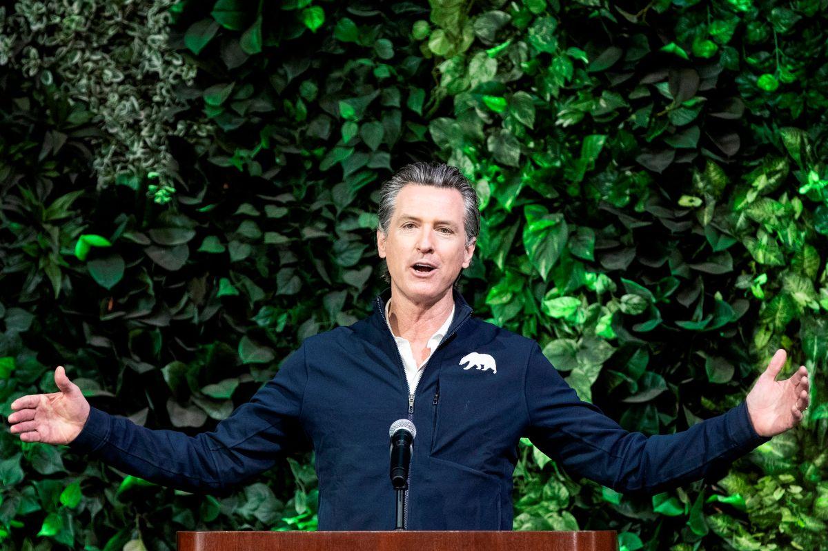 Gavin Newsom lanza campaña para rechazar la campaña del revocatorio en su contra