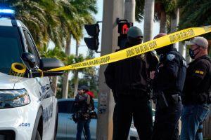 Mueren dos agentes del FBI en una balacera en Sunrise, Florida. Hay otros tres heridos