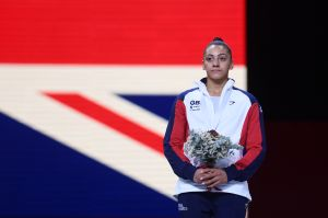 Nuevo día, nuevo escándalo: las gimnastas británicas se unen y acusan de abuso a sus entrenadores