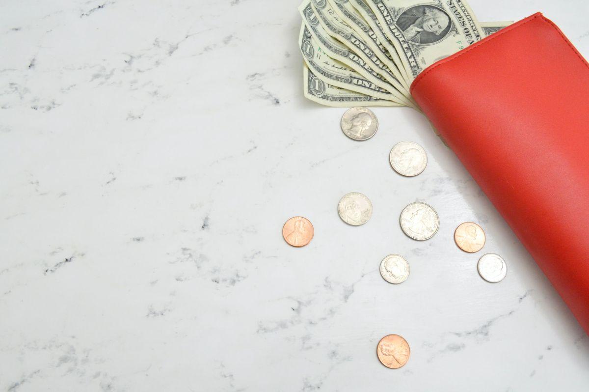 Predicen que en febrero habrá complicaciones financieras: Qué ritual hacer para proteger tu dinero