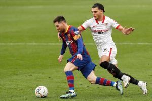 Con Leo Messi brillante, el FC Barcelona derrotó al Sevilla y respira nuevamente en La Liga