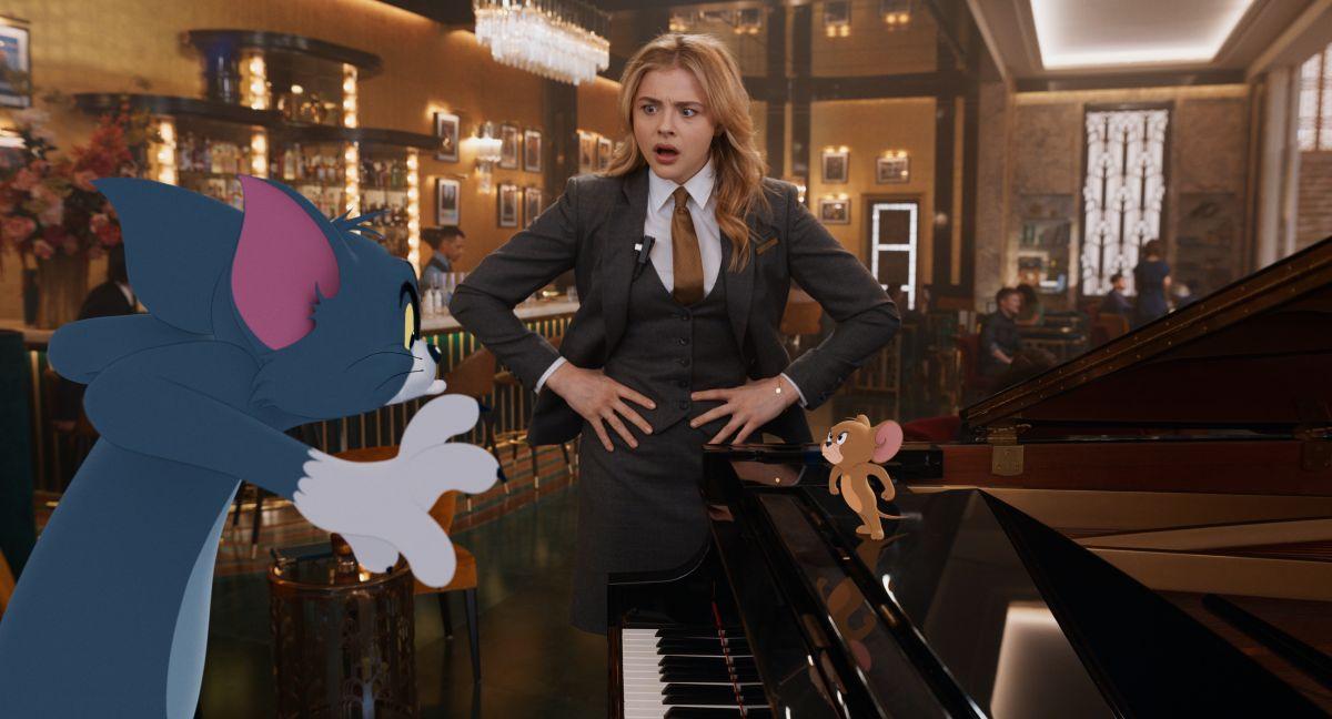 Grace Morentz como Kayla en una escena del film.