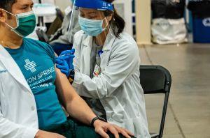 Proponen compensar a enfermeras por daños laborales en California