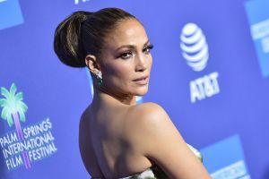 Jennifer Lopez sube la temperatura bailando en bikini