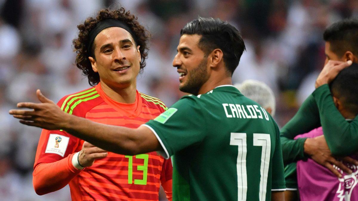 Guillermo Ochoa y Carlos Vela han compartido buenos momentos con El Tri.