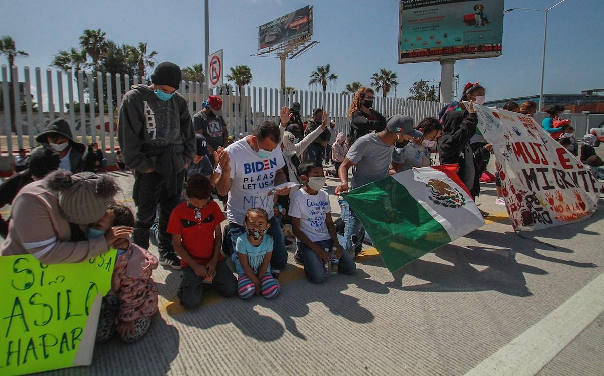 EE.UU. y México se desatienden de los refugiados, mientras centros de ayuda se desbordan