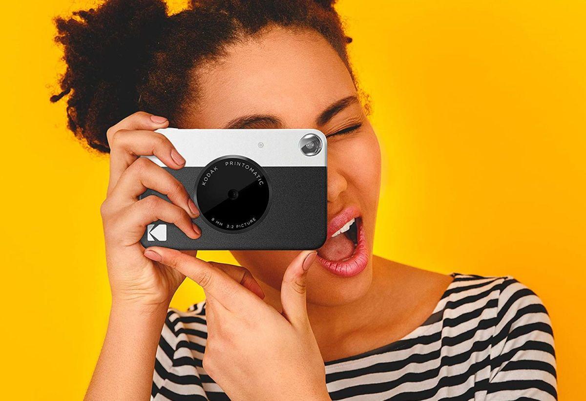 Las mejores cámaras instantáneas que son un excelente regalo para cualquier amante de la fotografía