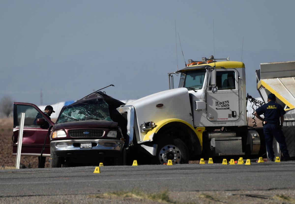 Lo que se sabe del terrible choque en el sur de California que mató a 15 de los 27 ocupantes de una SUV
