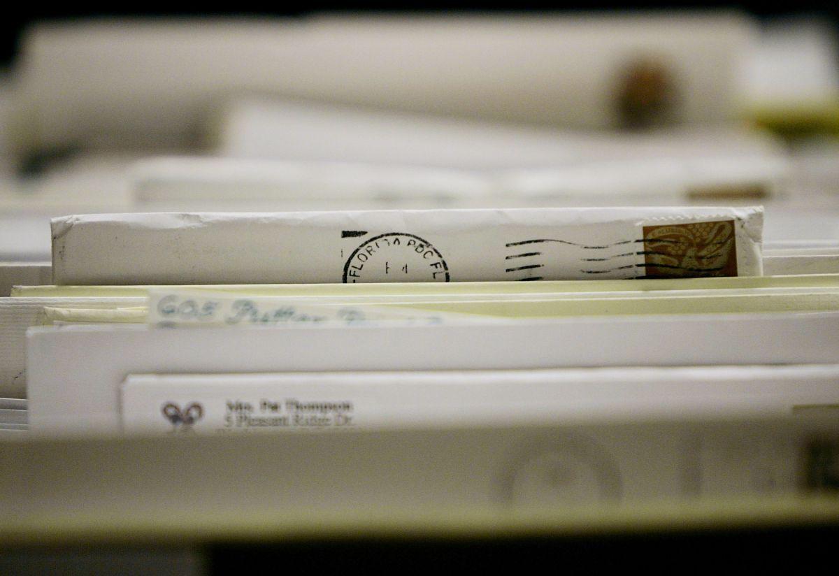 Están en camino 37 millones de cheques de estímulo, llegarán por correo postal y como tarjetas de débito EIP