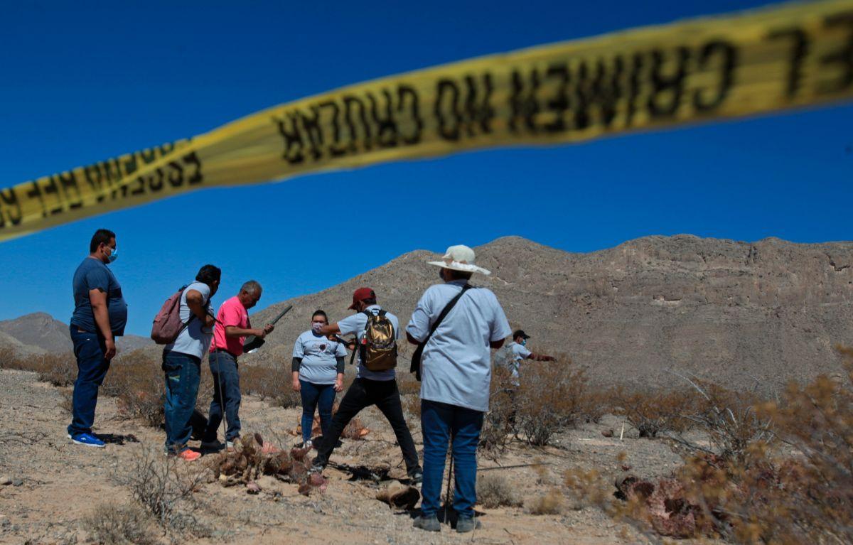 Familias de desaparecidos buscan los restos de un soldado de EE.UU. en Chihuahua