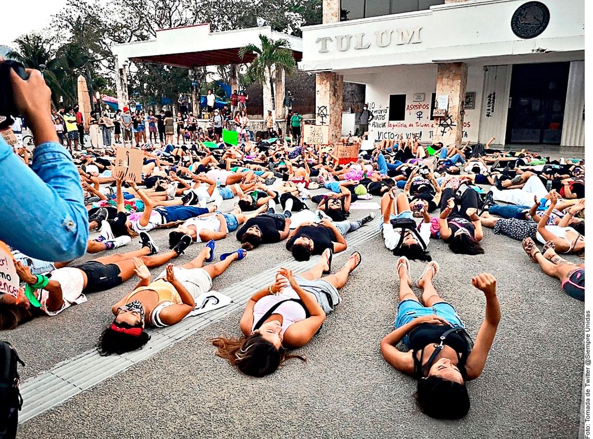 Grupos feministas salieron a manifestarse  en Quintana Roo y Ciudad de México por la muerte de la salvadoreña Victoria Salazar.