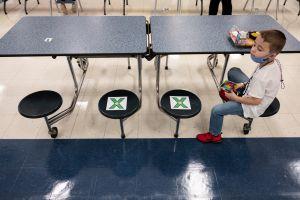 Menos de un 30% de los alumnos del distrito unificado de LA planea volver a las escuelas, según encuesta