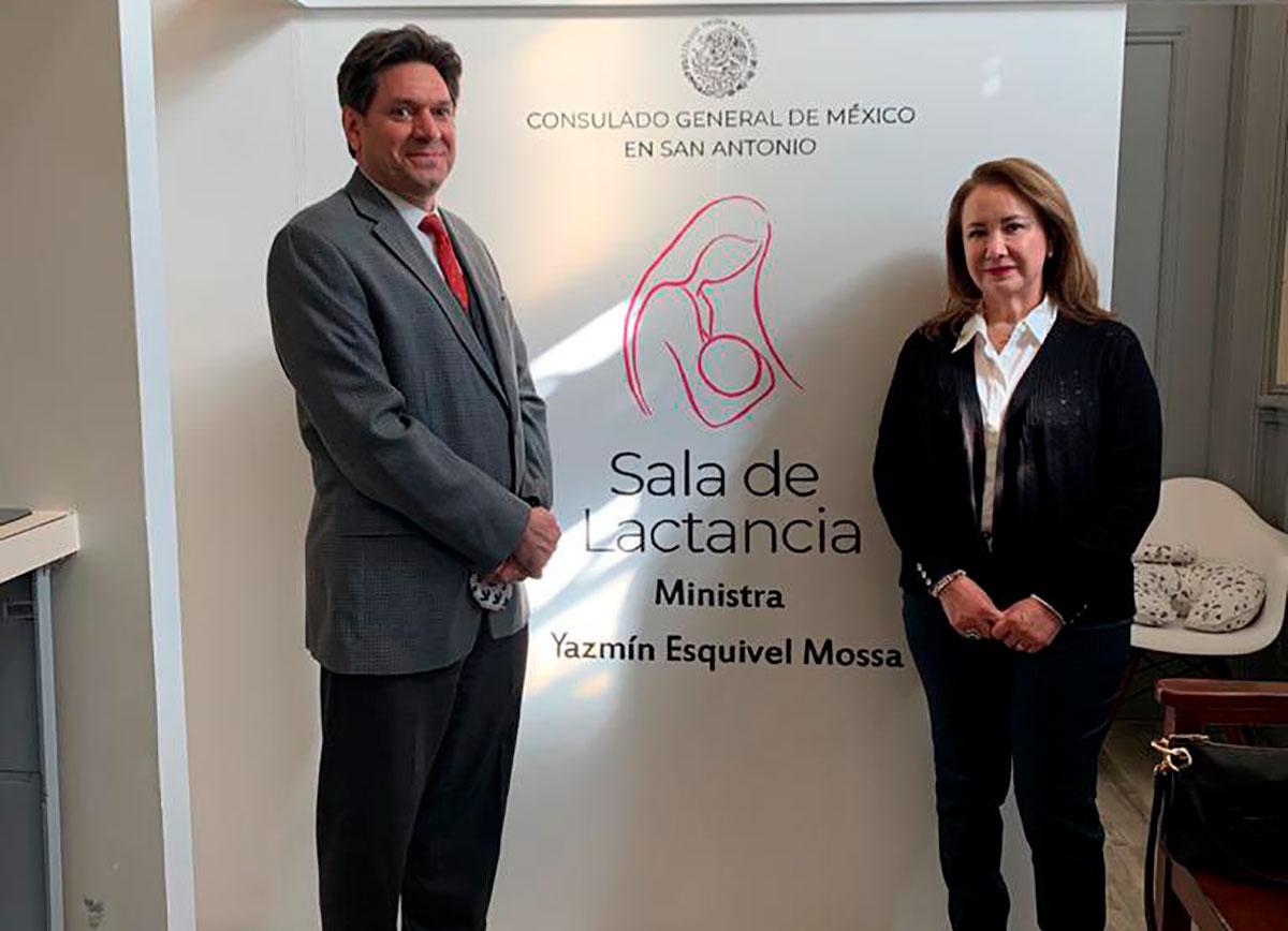 """Cancillería mexicana investiga presunto """"turismo de vacunas"""" en consulado de Texas"""