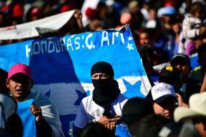 Cientos de hondureños viajan hacia la Casa Blanca para pedir un nuevo TPS