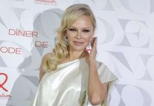 Así es la mansión de la que Pamela Anderson se deshará para irse a vivir... ¡a casa de su abuela!