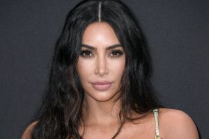 Kim Kardashian revela que no dejaría de tomarse fotos sexys por su carrera de abogada