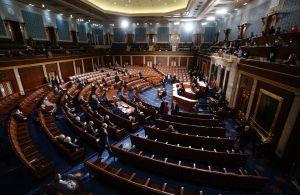 Senado de EE.UU. aprueba paquete de estímulo de Biden con cheques de $1,400 y otras ayudas