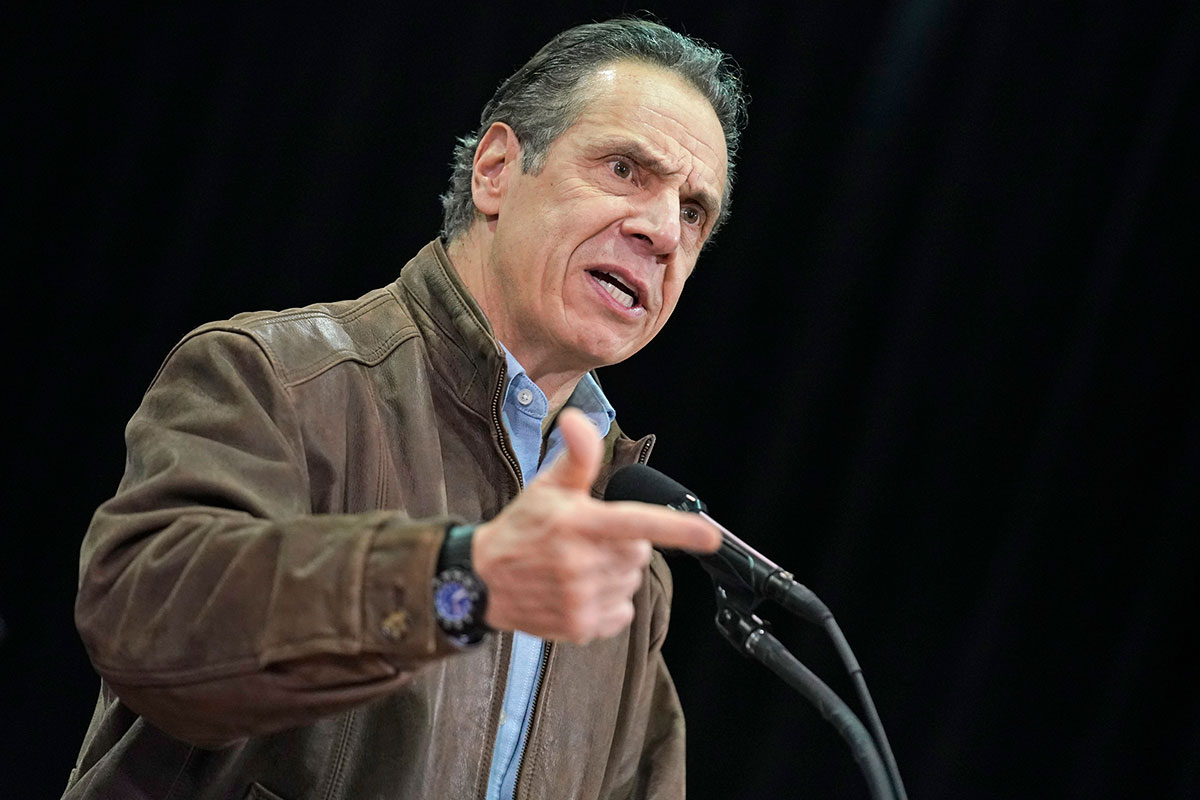"""Gobernador de Nueva York, Andrew Cuomo, acepta haber realizado comentarios """"insensibles"""""""