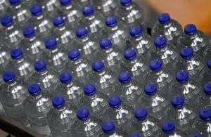 Interponen demanda colectiva contra la marca de agua Real Water, de Nevada, por causar hepatitis