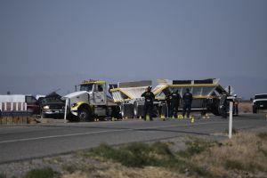 Autoridades mexicanas y guatemaltecas reconocen a 12 de las 13 víctimas del accidente del sur de California