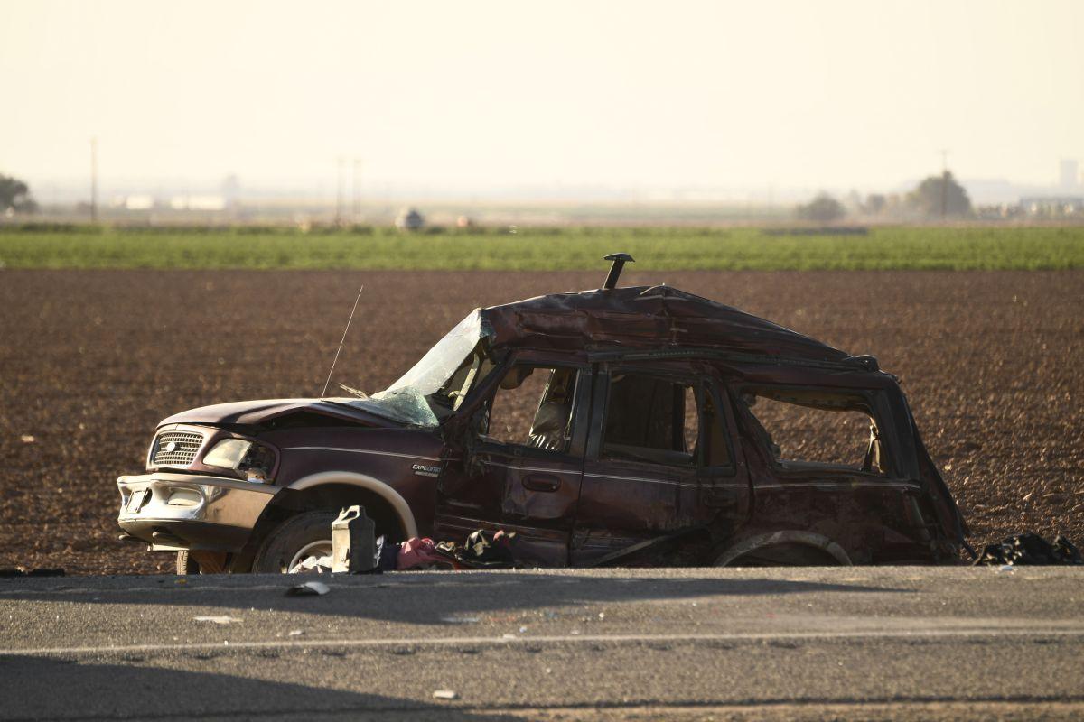El interior de la SUV en la que iban 25 personas y murieron 13 en un terrible choque en California habría sido modificado