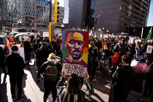 Juicio por la muerte de George Floyd es postergado