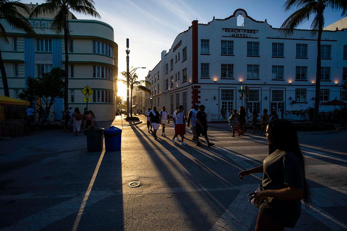 Miami Beach en calma tras fin de semana con aplicación de toque de queda