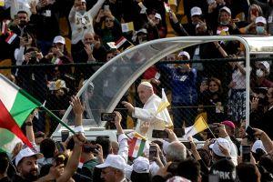 Papa Francisco se despide de Irak con llamado de paz y unidad