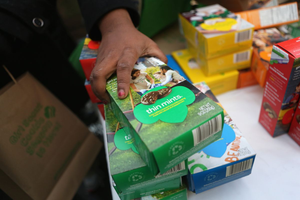 Una niña de San Barnardino vendió 32,000 de estas cajas de galletas.