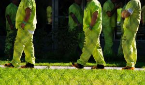 Más de 10,000 inmigrantes presos dan positivo a COVID-19 en centros de detención de ICE