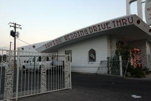 Usurpadores se metieron a una capilla de bodas de Las Vegas y encontraron un cadáver