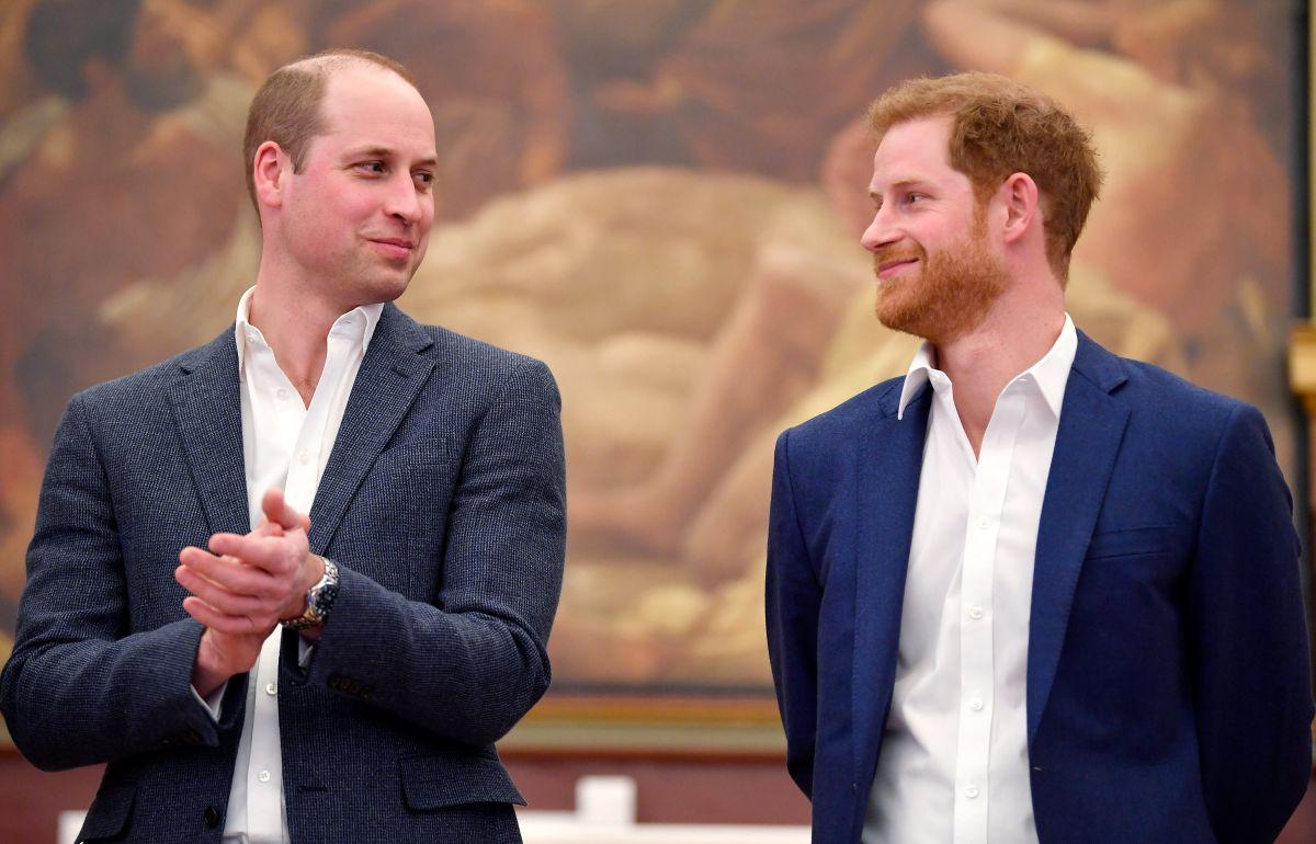 Los príncipes William y Harry no se ponen de acuerdo ni para homenajear a su madre