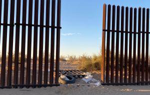 Patrulla Fronteriza asegura que no perseguía a la SUV antes del brutal choque que dejó 13 migrantes muertos en California