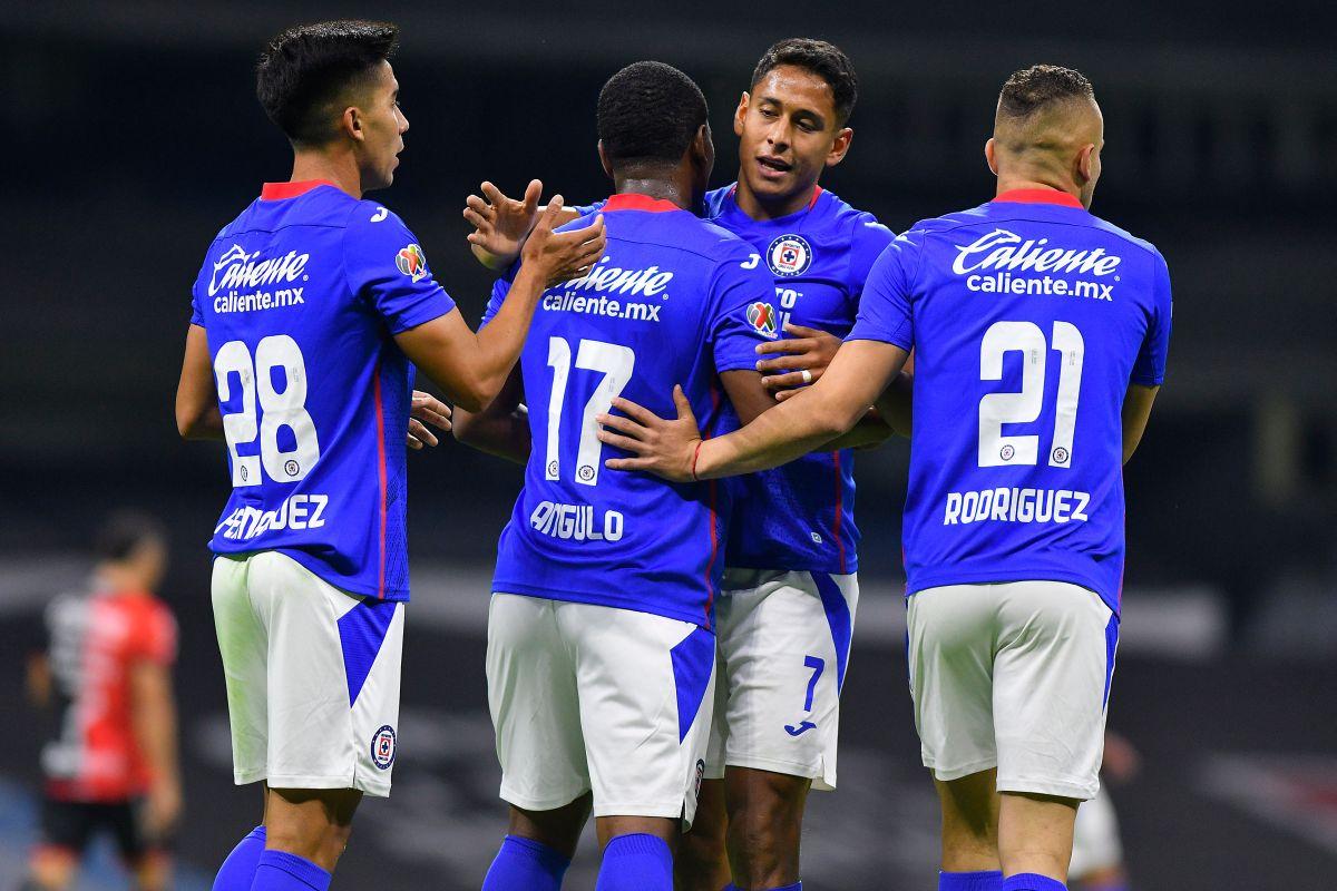 El ecuatoriano Bryan Angulo marcó el primer gol de la histórica décima victoria de Cruz Azul.