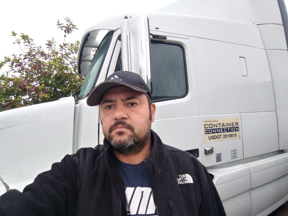 Camioneros se quejan ante Cal/OSHA y piden seguridad a las autoridades del Puerto de Los Ángeles