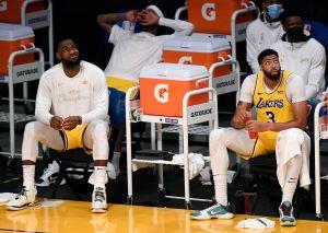 Los campeones Lakers, en caída libre sin su dúo estelar